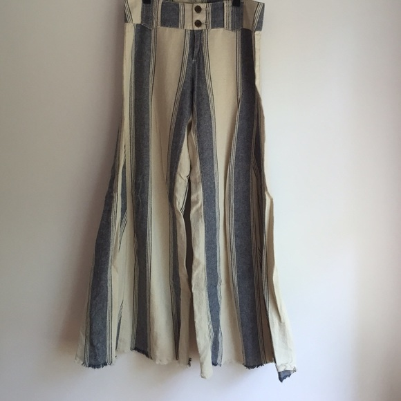 89e2ce82bd Free People Pants - Free People Extreme Flare Wideleg Striped Pant!