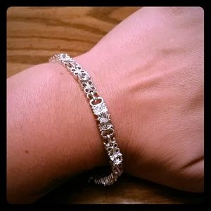 Very pretty Avon bracelet!