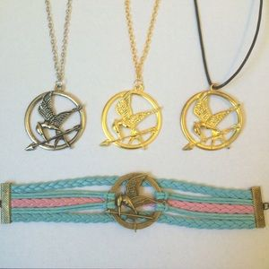 Jewelry - Hunger Games Mockingjay Necklace Bracelet