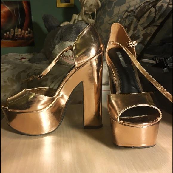 Metallic Gold Platform Heels - Qu Heel