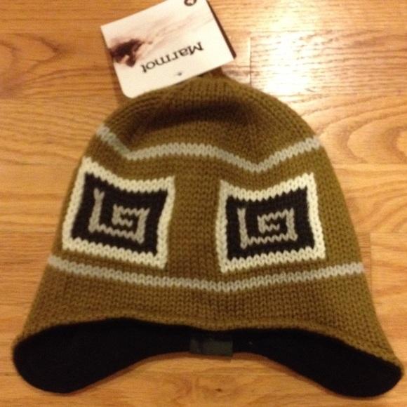 22678e1627f3d Marmot women s Athens ski hat nwt one size
