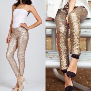 🎉NEW Gold Sequin Holiday Leggings❤️