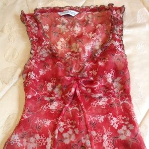 Tops - 💲ALE❗🌹Beautiful Red floral laced blouse🌹