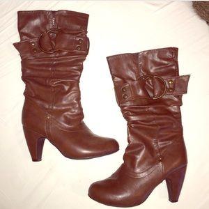 Shoes - Mid Rise Brown Boot