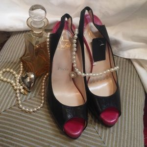 Christian Louboutin Shoes - 💥SALE💥CHRISTIAN LOUISBATONS SLNG BK distcont NWT