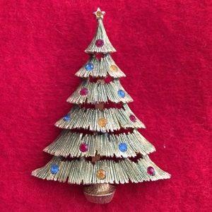 Signed JJ Christmas tree brooch