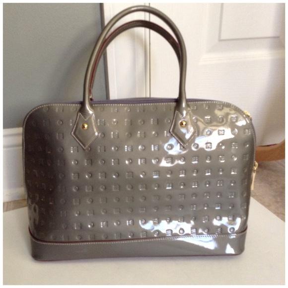 Arcadia Handbags - SALE!! NWOT Arcadia grey purse 4843e5dc13