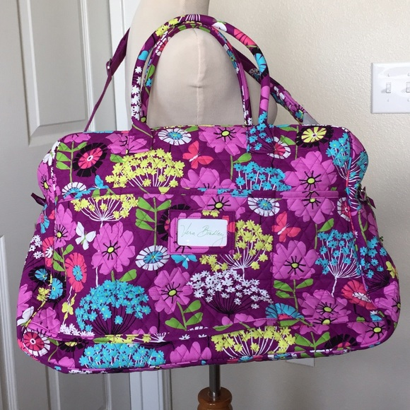 c275fc8db04b NWT Vera Bradley Grand Traveler Bag in Flutterby