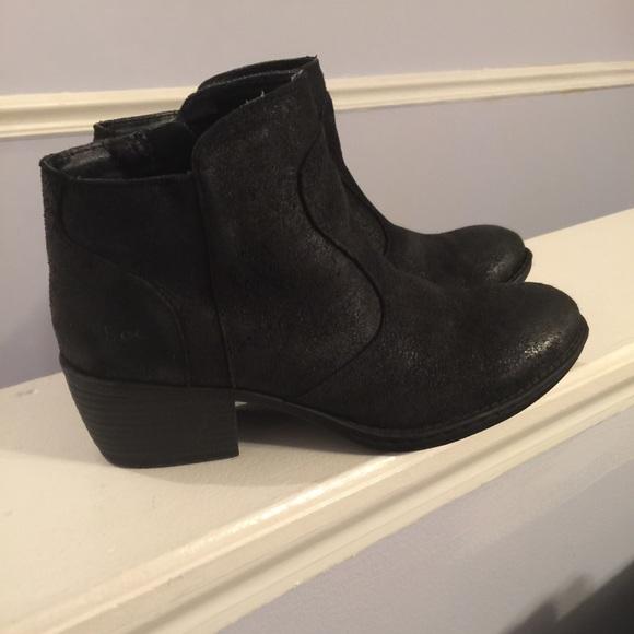 Boc Born Black Suede Ankle Boots Sz 75