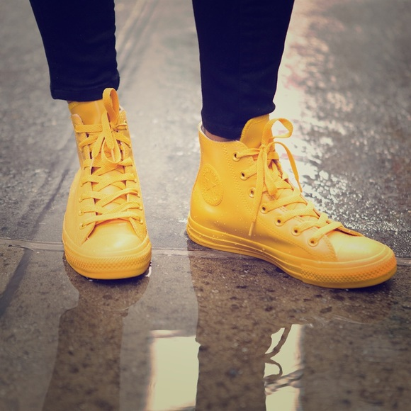 converse yellow rubber