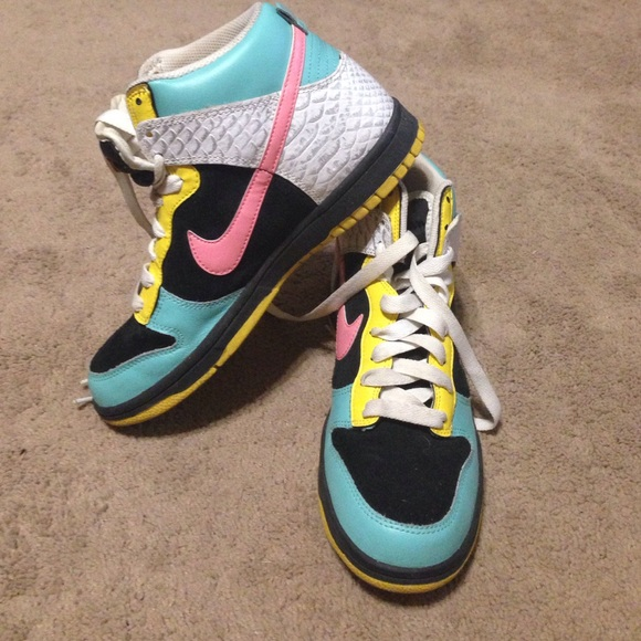 Nike Shoes   Nike Colorful High Top