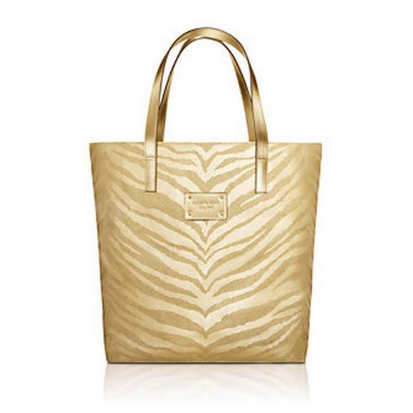 77% off Michael Kors Handbags - Michael Kors Chic Tote Bag from ...