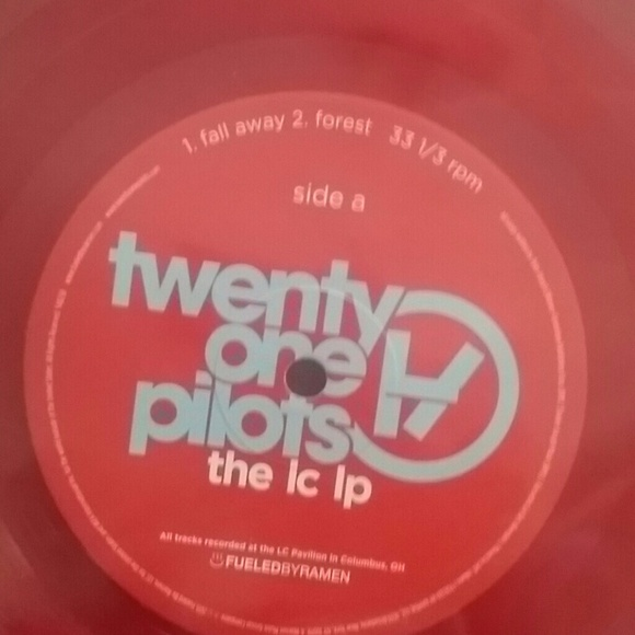 Hot Topic Twenty One Pilots Ohio Shaped Vinyl From Erin