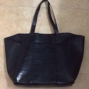 638927a0ed0e 93% off Neiman Marcus Handbags - Neiman Marcus Brand Handbag from  Andrea'