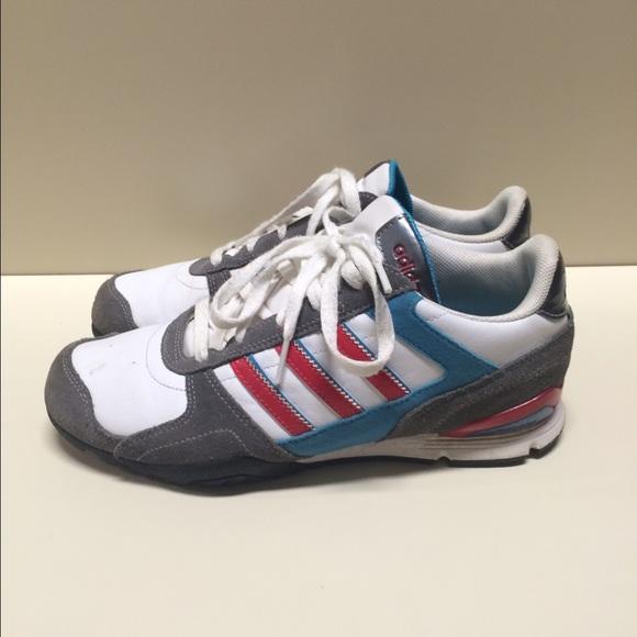 Adidas zapatos Super Cute tennies tamaño 75 poshmark