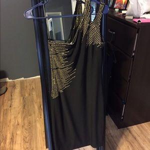 Cache size 4 black cocktail dress