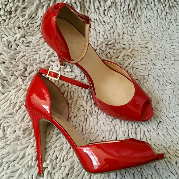 Red Patent Leather Ankle Strap Peep Toe Pumps