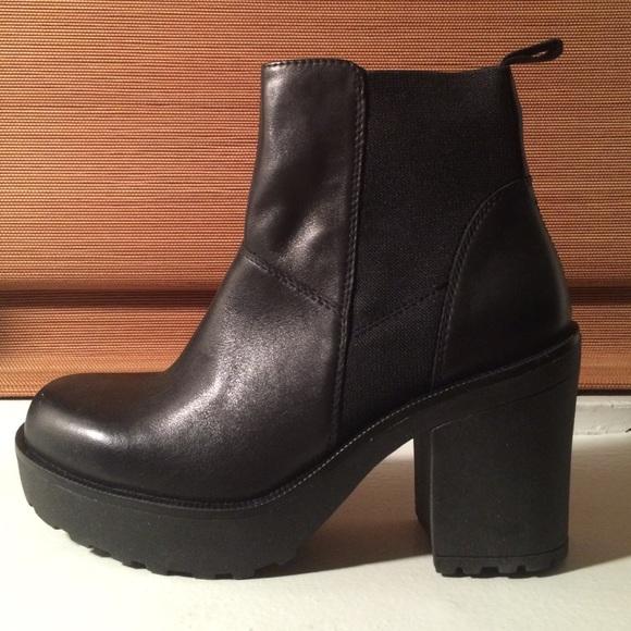 033557a112e4 Shoes | Vagabond Libby Platform Chelsea Boot | Poshmark