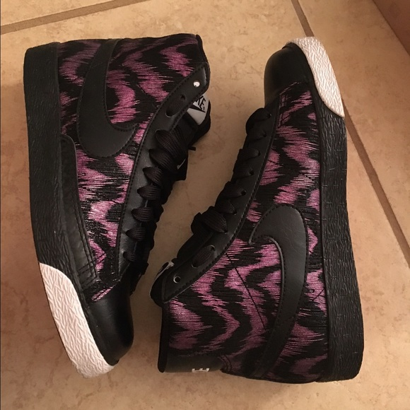 brand new eaeda abaa5 Women s Nike Blazer High. Purple   Black   White. M 563d887c4225be6553006e15