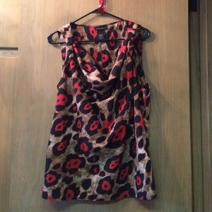 Red leopard print sleeveless blouse L
