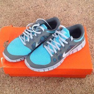 New Nike Free 5.0. (GS)