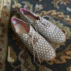 Gap Cap-Toe Oxfords