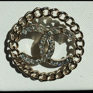 Vintage Chanel gold tone brooch