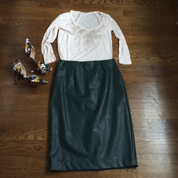 8454221e6 Ann Taylor Skirts | Faux Leather Hunter Green Pencil Skirt | Poshmark