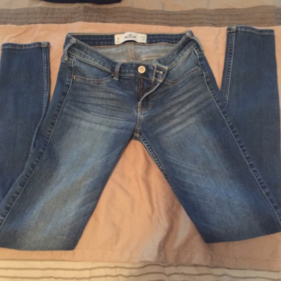 hollister jean length