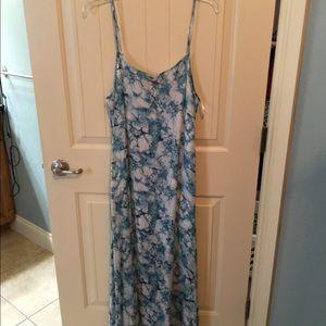 Dresses & Skirts - Maxi dress NWT