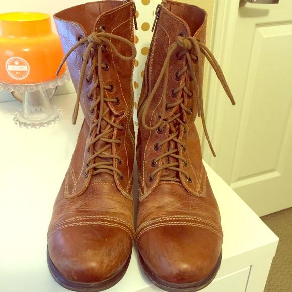 acc01a34a9c Steve Madden troopa boots in Cognac leather. M 563e76e06ba9e6222f0131a6