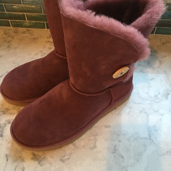 0688d773fe5 Ugg, bailey button, plum/wine, size 8