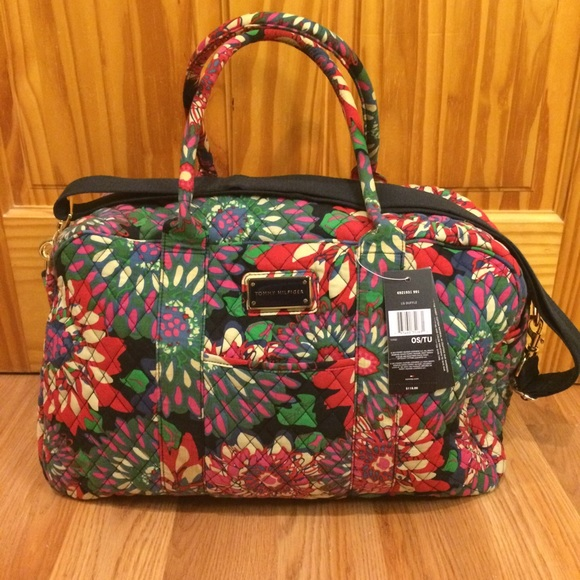 79 off tommy hilfiger handbags tommy hilfiger floral quilted cotton weekender from taryn 39 s. Black Bedroom Furniture Sets. Home Design Ideas