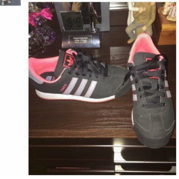Adidas zapatos Samoas negro rosa excelente estado poshmark