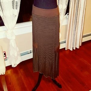 High Low asymmetrical skirt with pocket details