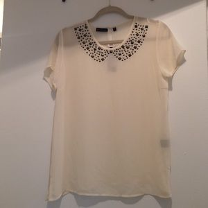 Tops - Cream top with beading