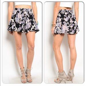 Pants - Cute floral shorts