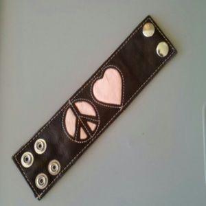 Jewelry - Brown leather peace & love bracelet