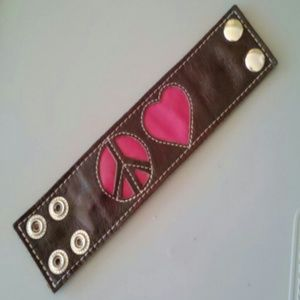 Jewelry - Brown leather peace & love snap bracelet