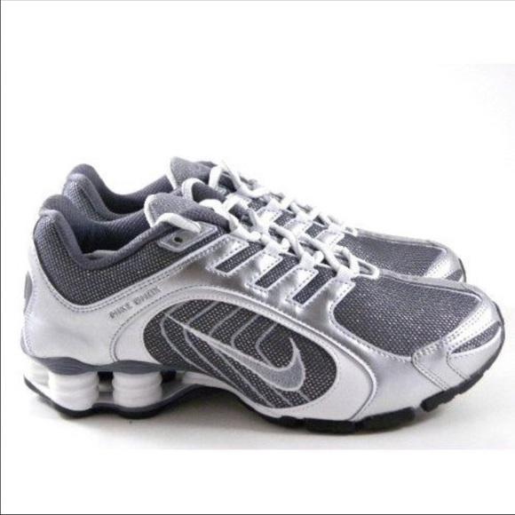 size 40 5837a 09585 Silver   glitter Nike Shox. M 563f9eb9feba1f6f1a01a726