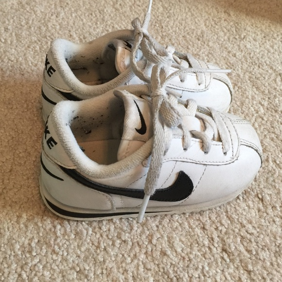 Nike boys shoes size 6c