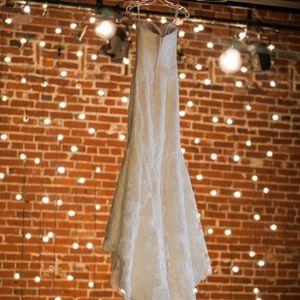 Dresses & Skirts - Enzoani Casablanca wedding dress