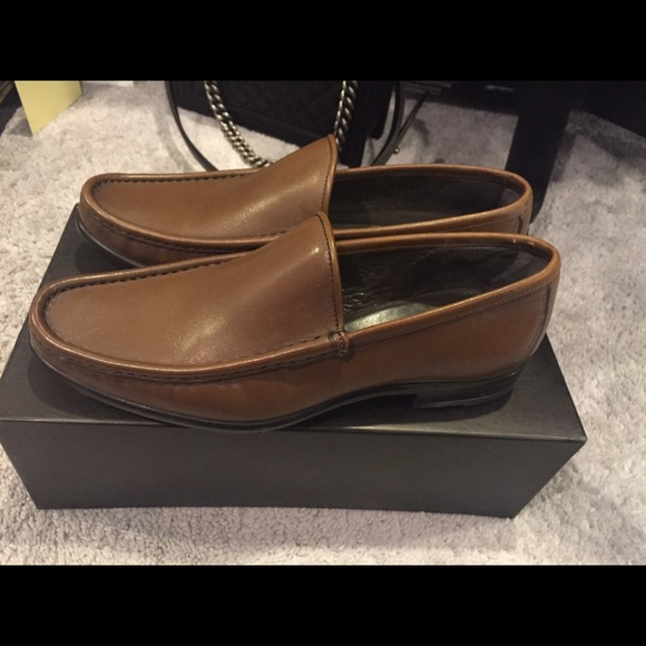 gucci loafers. gucci shoes - gently used loafers