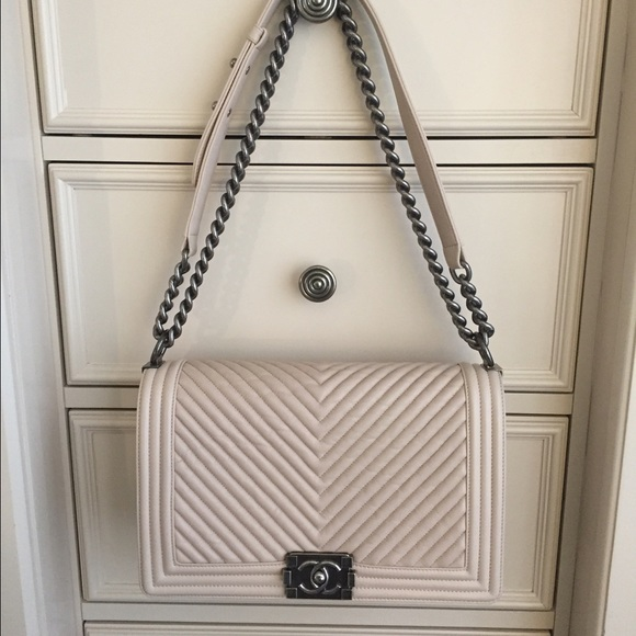 a066087e5990d4 CHANEL Bags | Lambskin Chevron New Medium Boy Bag Beige | Poshmark