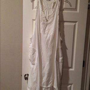 Dresses & Skirts - White sun dress