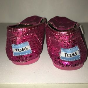Glittery hot pink toms!