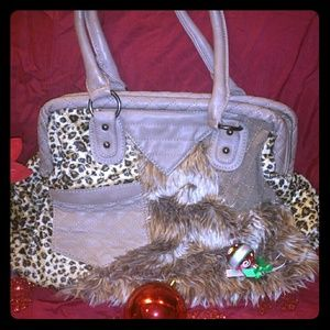 Handbags - Animal print🐾 faux fur hangbag ON  SALE!!🐾