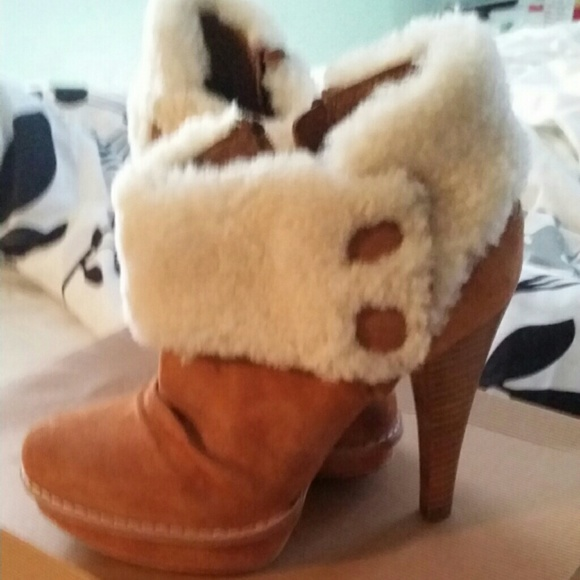 0cbfd373e3a Ugg Georgette ankle boots NWT