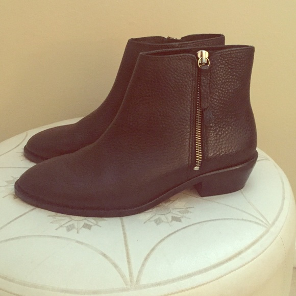 23 j crew shoes j crew tumbled leather ankle boots