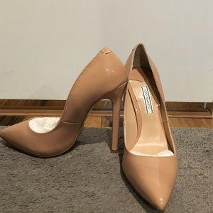 79facf11d1 Tony Bianco Shoes - Tony Bianco Nude Patent Leather Pumps *Leola* BNIB